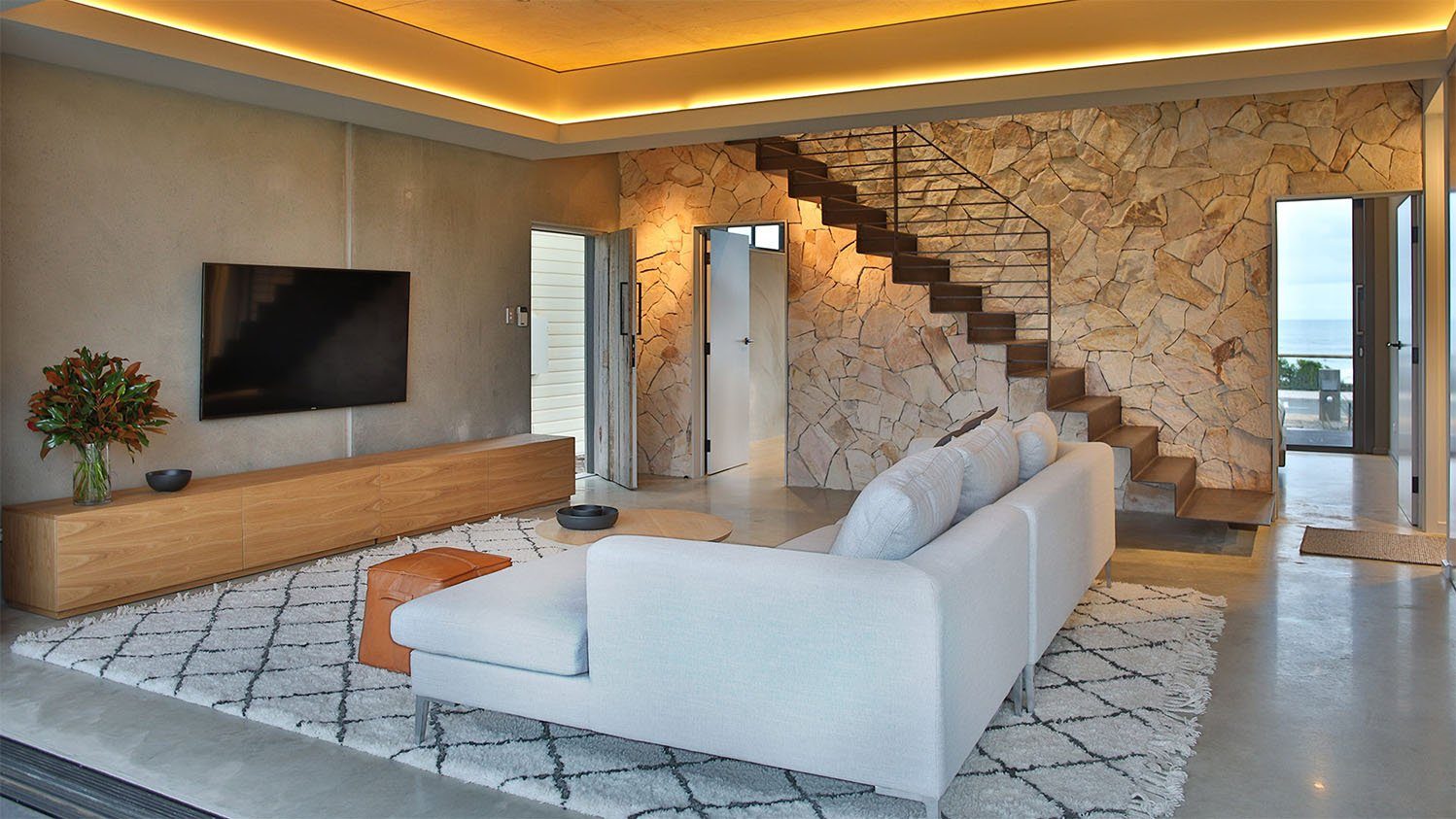 Solectric Residential Project Living Room Glass House